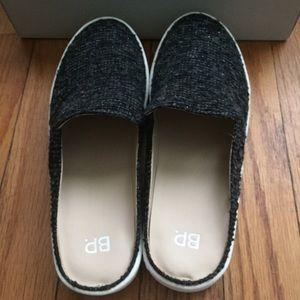 38bcbcf91312a bp Shoes - B.P. Monika Platform Mules Gray Boucle sz 9